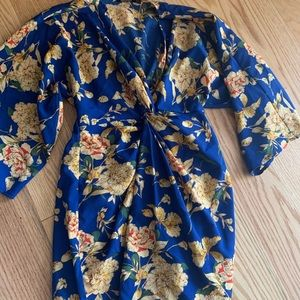 Boohoo kimono style dress sz 4